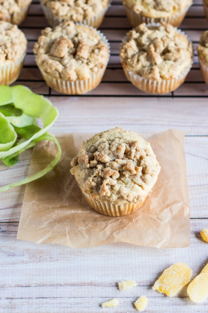 Apple Ginger Crumb Muffins