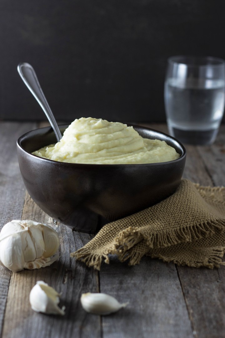 Roasted Garlic Potato Puree with Sour Cream
