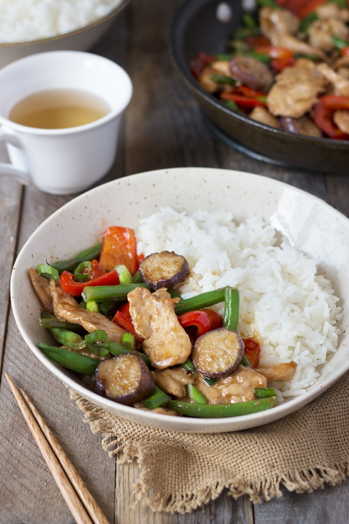 Chicken & Vegetable Stir Fry | cookingatsabrinas.com @sabrinascooking